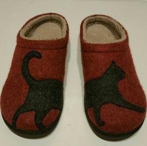 LL Bean slippers kitty cat